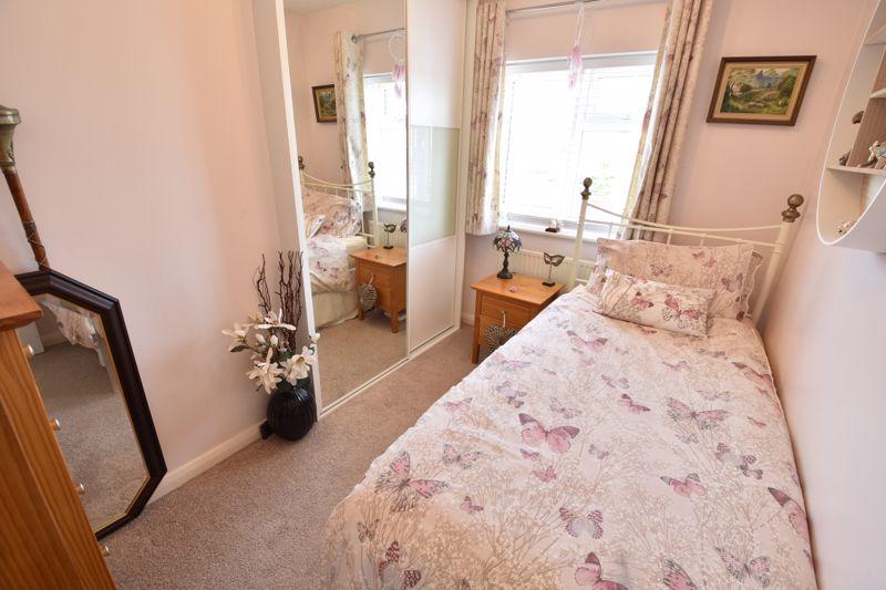 3 bedroom  to buy in Blakeney Drive, Luton - Photo 16