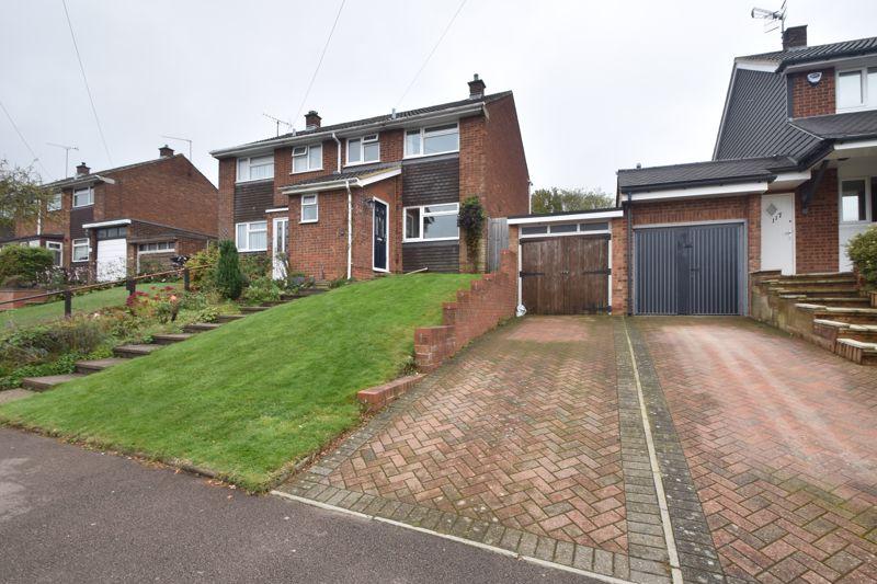 3 bedroom Semi-Detached  to buy in Langdale Road, Dunstable
