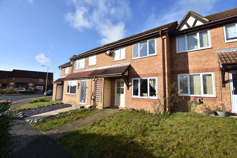 3 bedroom Mid Terrace to buy in Cromer Way, Luton