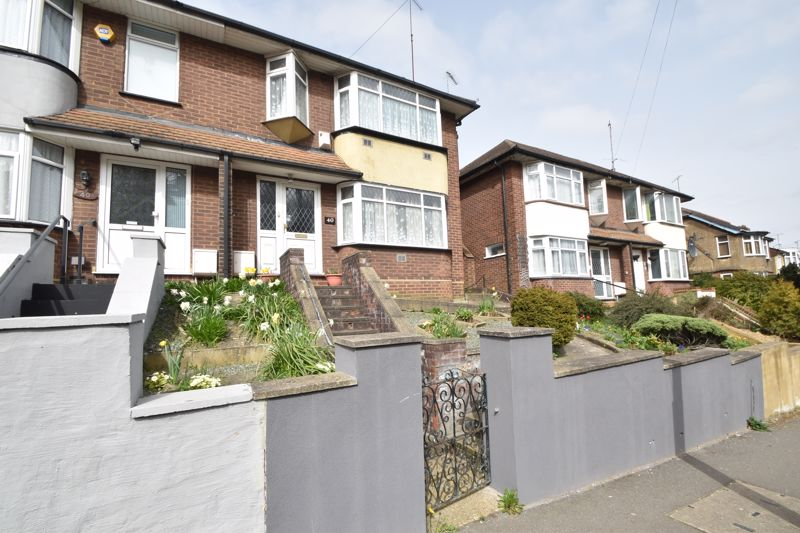 3 bedroom Semi-Detached  to buy in Farley Hill, Luton - Photo 20