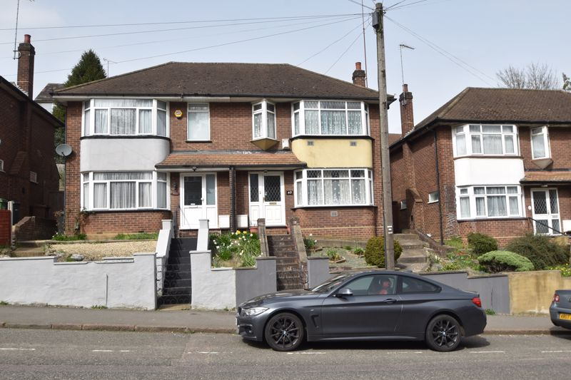 3 bedroom Semi-Detached  to buy in Farley Hill, Luton - Photo 21