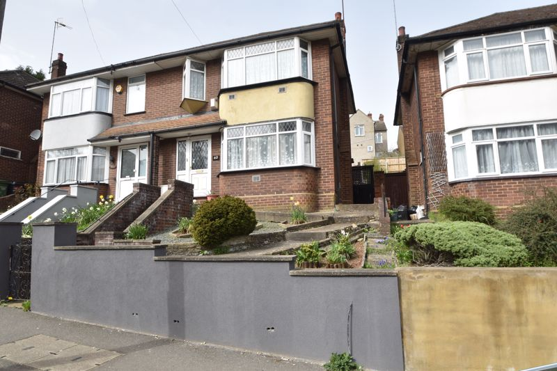 3 bedroom Semi-Detached  to buy in Farley Hill, Luton - Photo 23