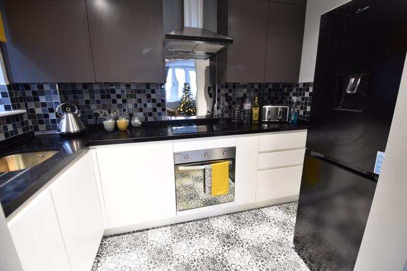 1 bedroom  to buy in 46 London Road, Luton - Photo 14