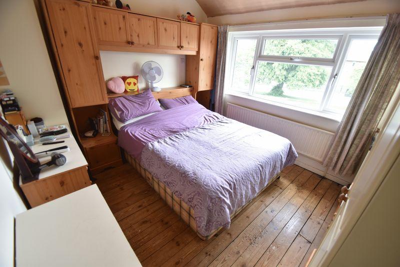 3 bedroom  to buy in Fermor Crescent, Luton - Photo 17