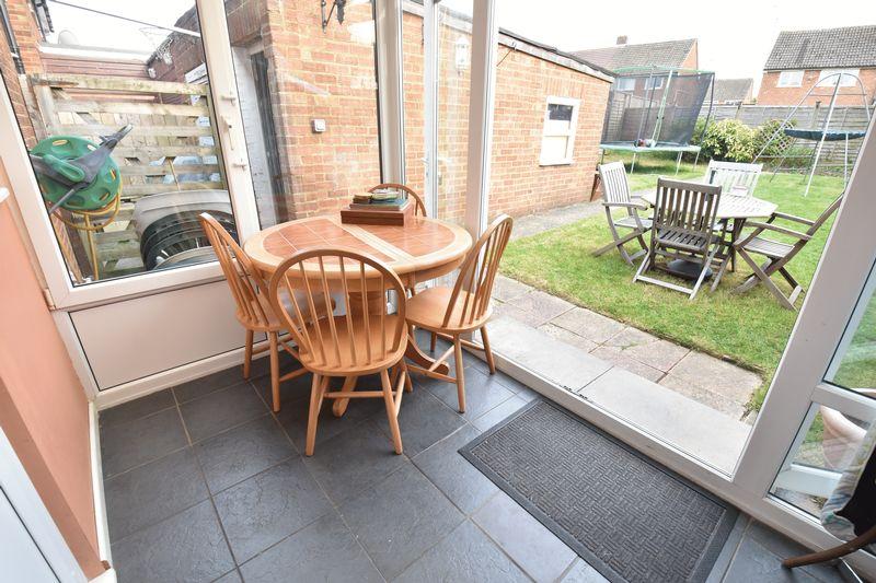 3 bedroom  to buy in Fermor Crescent, Luton - Photo 5