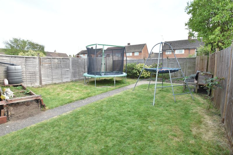 3 bedroom  to buy in Fermor Crescent, Luton - Photo 7