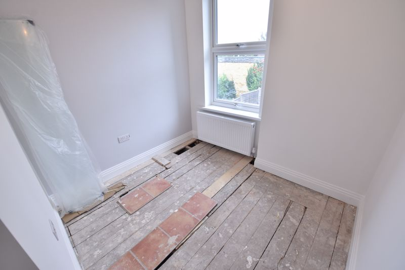 4 bedroom Mid Terrace to rent in Tennyson Road, Luton - Photo 15