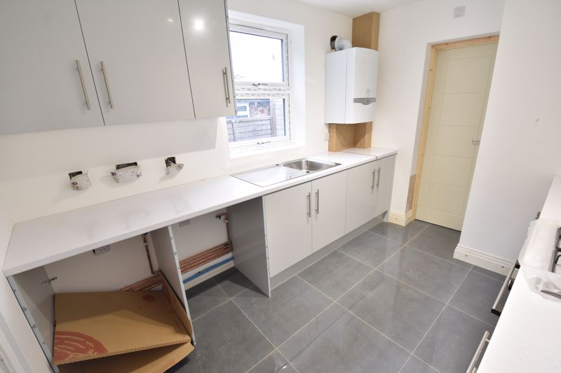 4 bedroom Mid Terrace to rent in Tennyson Road, Luton - Photo 20