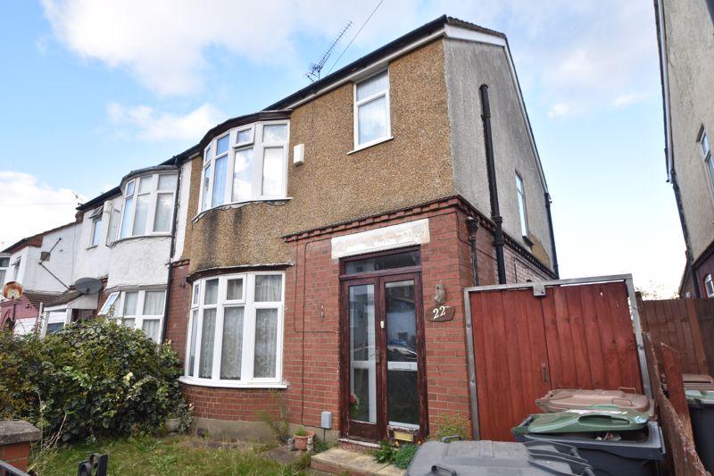 3 bedroom Semi-Detached  to buy in Sherwood Road, Luton