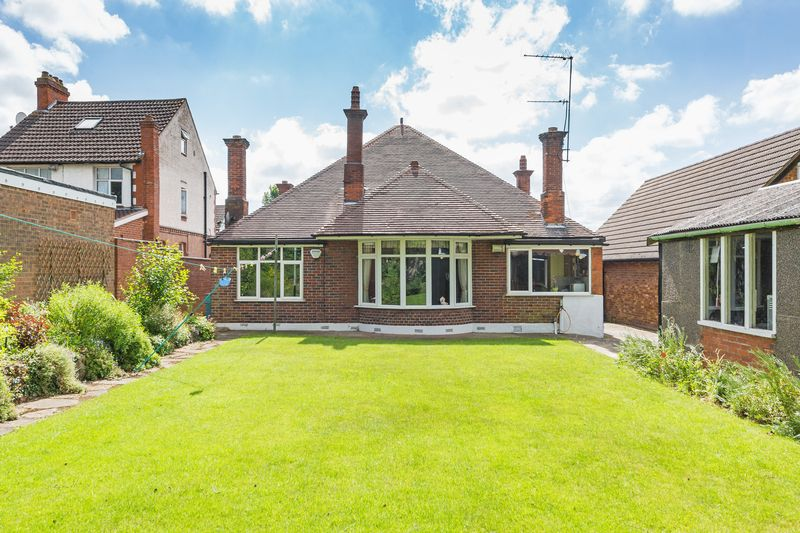 4 bedroom Bungalow to buy in  Bishopscote Road, Luton - Photo 12