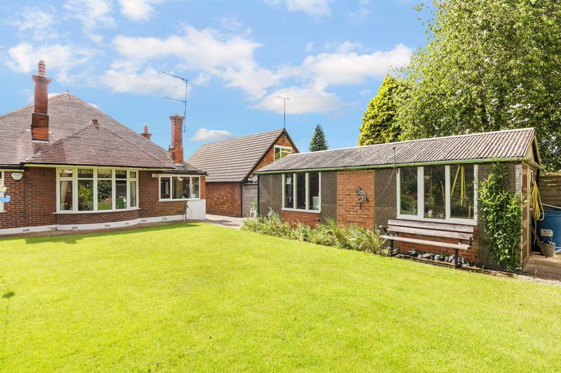 4 bedroom Bungalow to buy in  Bishopscote Road, Luton - Photo 13