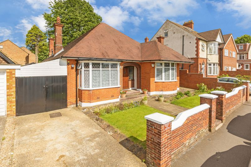 4 bedroom Bungalow to buy in  Bishopscote Road, Luton
