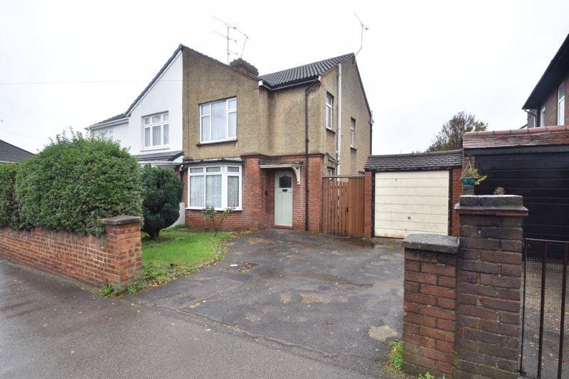 3 bedroom Semi-Detached  to buy in Woodland Avenue, Luton