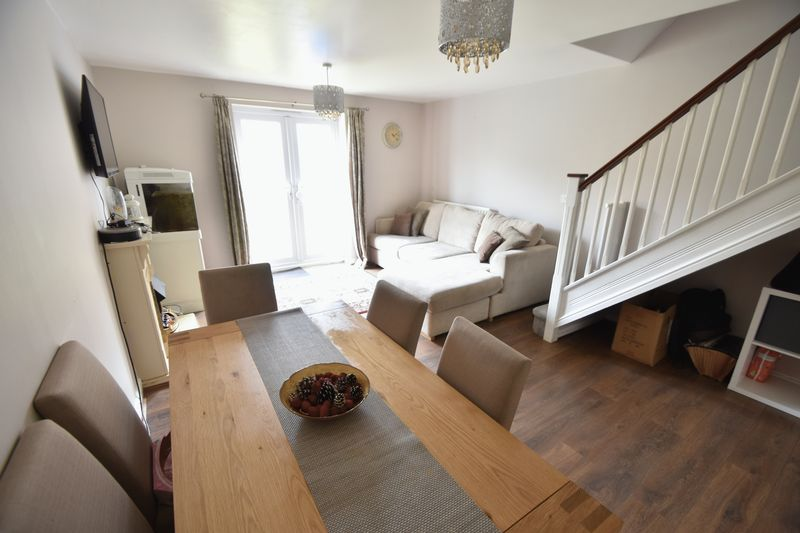 2 bedroom End Terrace to buy in Linden Road, Luton - Photo 3