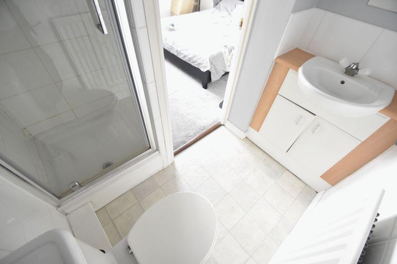 2 bedroom End Terrace to buy in Linden Road, Luton - Photo 8