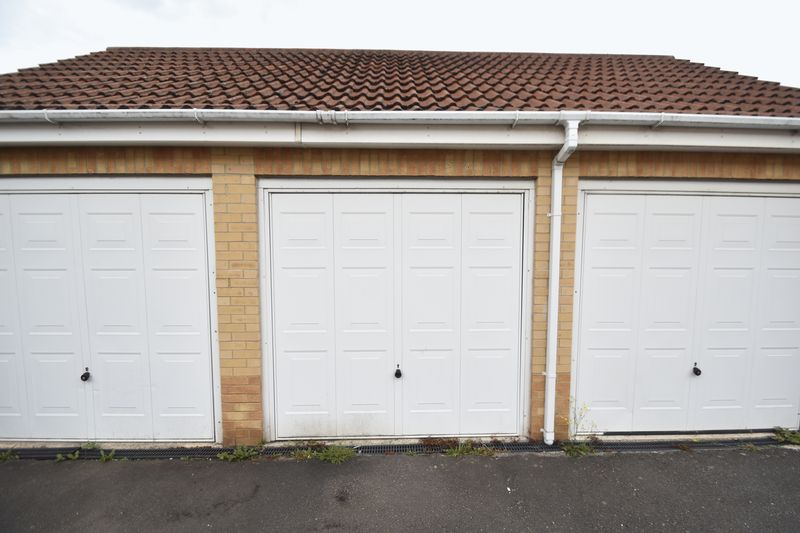 2 bedroom End Terrace to buy in Linden Road, Luton - Photo 13