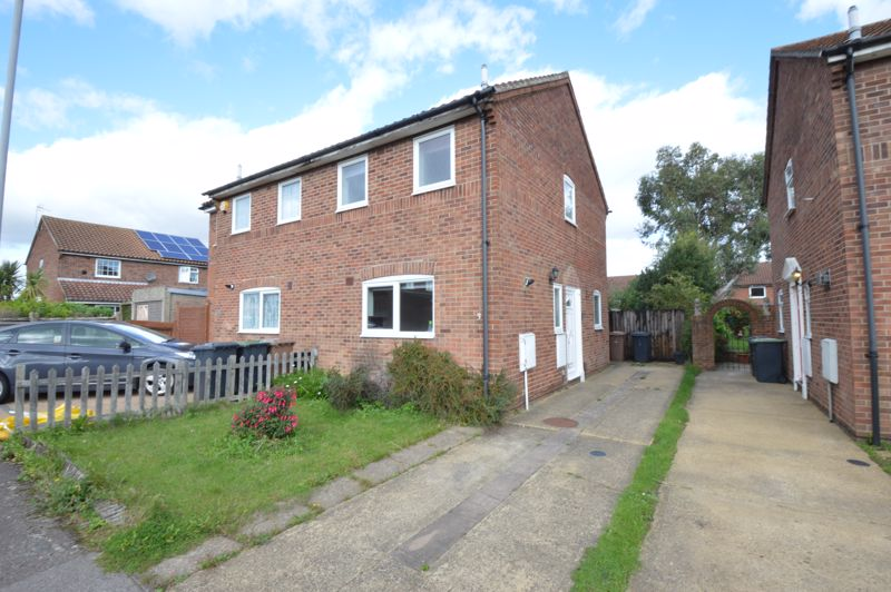 2 bedroom Semi-Detached  to buy in Peregrine Road, Luton - Photo 8