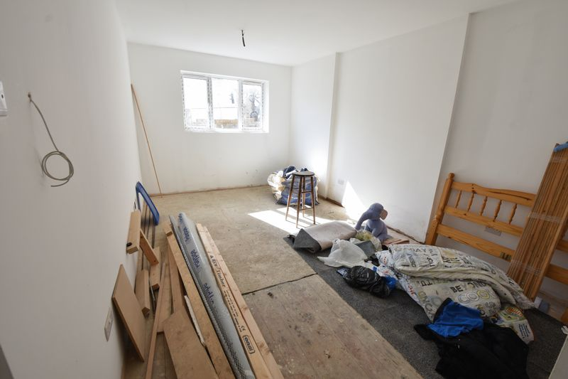 9 bedroom  to buy in Russell Rise, Luton - Photo 7