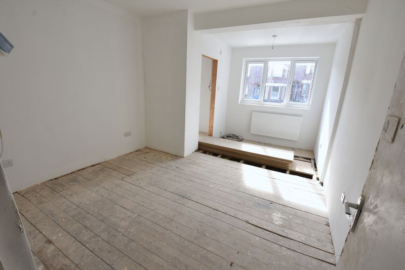 9 bedroom  to buy in Russell Rise, Luton - Photo 11