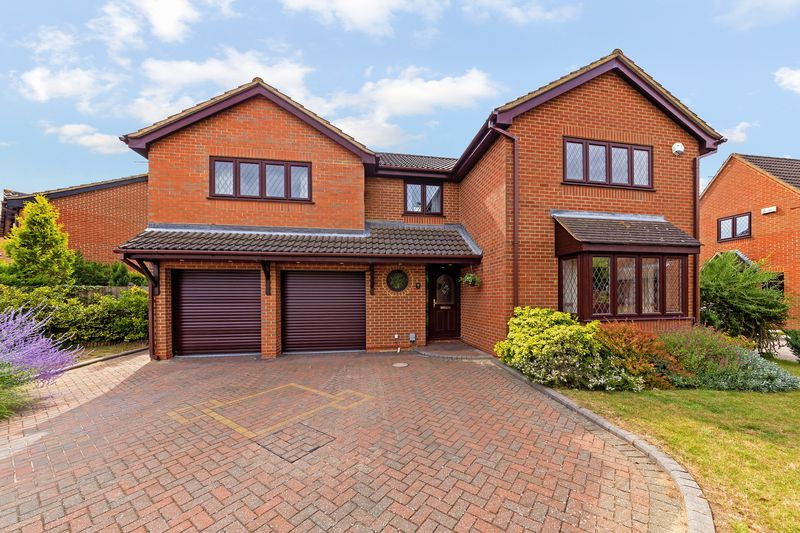 5 bedroom  to buy in Statham Close, Luton