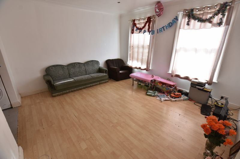 2 bedroom Flat to buy in 79 Frederick Street, Luton - Photo 1