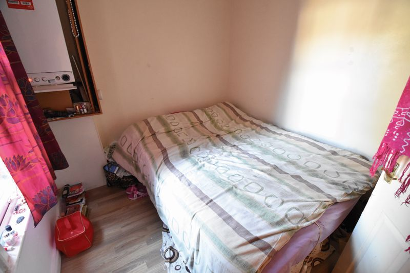 2 bedroom Flat to buy in 79 Frederick Street, Luton - Photo 3