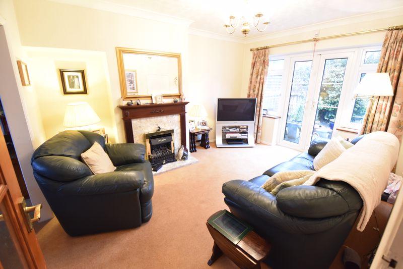3 bedroom Semi-Detached  to buy in Moat Lane, Luton - Photo 1