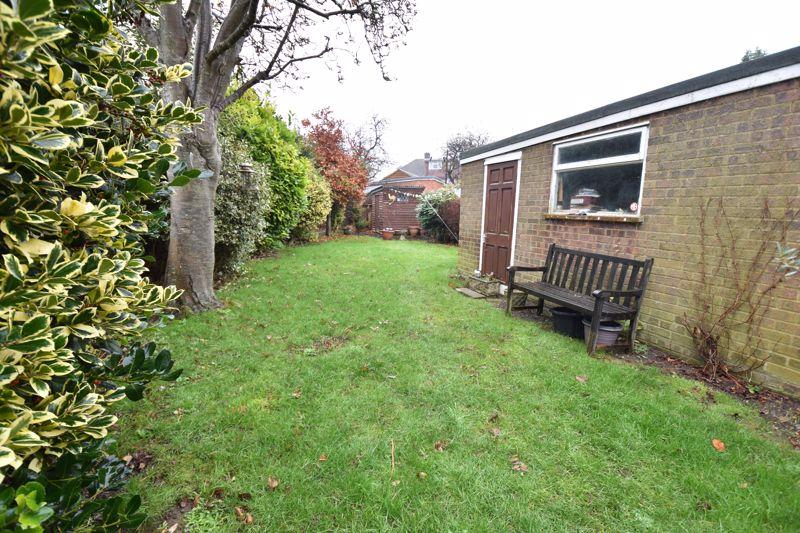 3 bedroom Semi-Detached  to buy in Moat Lane, Luton - Photo 6