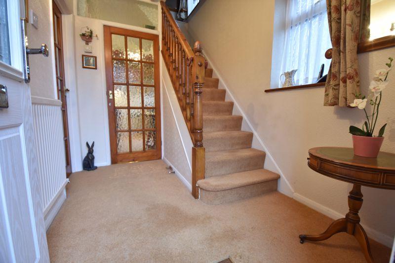 3 bedroom Semi-Detached  to buy in Moat Lane, Luton - Photo 9