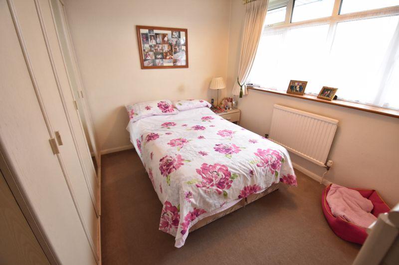 3 bedroom Semi-Detached  to buy in Moat Lane, Luton - Photo 10