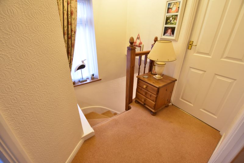3 bedroom Semi-Detached  to buy in Moat Lane, Luton - Photo 11