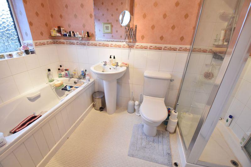 3 bedroom Semi-Detached  to buy in Moat Lane, Luton - Photo 12