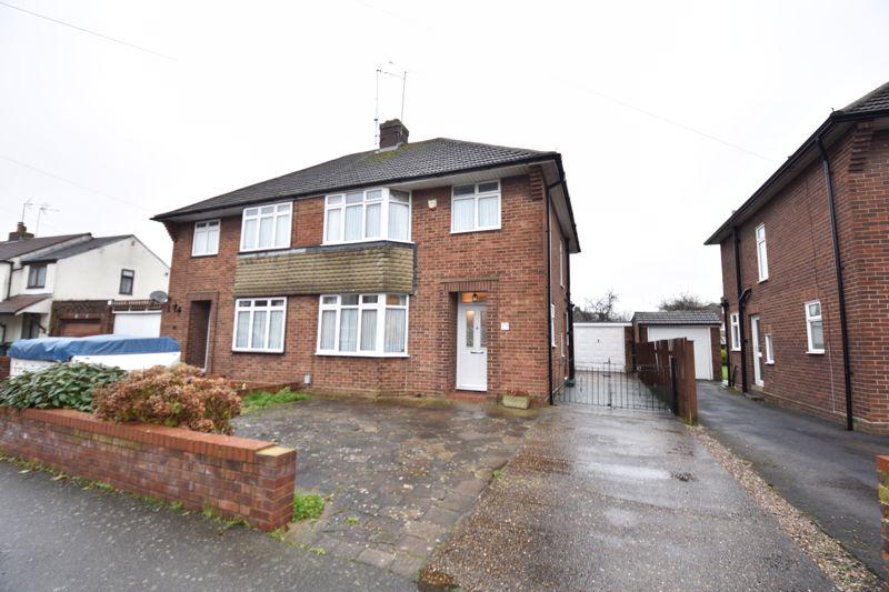 3 bedroom Semi-Detached  to buy in Moat Lane, Luton - Photo 15