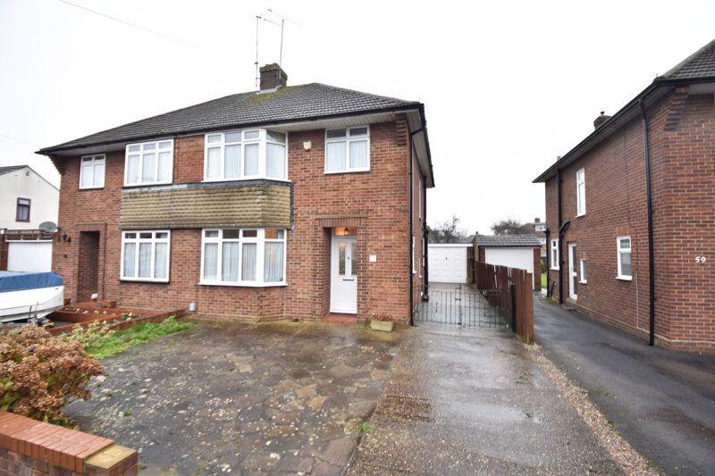 3 bedroom Semi-Detached  to buy in Moat Lane, Luton - Photo 16