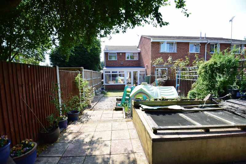 3 bedroom Semi-Detached  to buy in Dunsmore Road, Luton - Photo 13