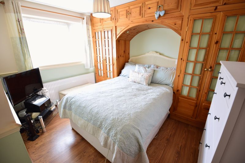 3 bedroom Semi-Detached  to buy in Dunsmore Road, Luton - Photo 18