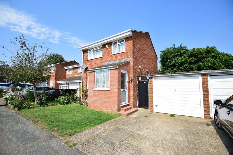 3 bedroom Semi-Detached  to buy in Dunsmore Road, Luton