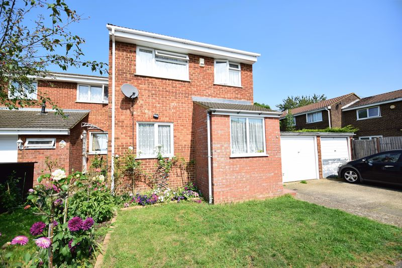 3 bedroom Semi-Detached  to buy in Dunsmore Road, Luton - Photo 21