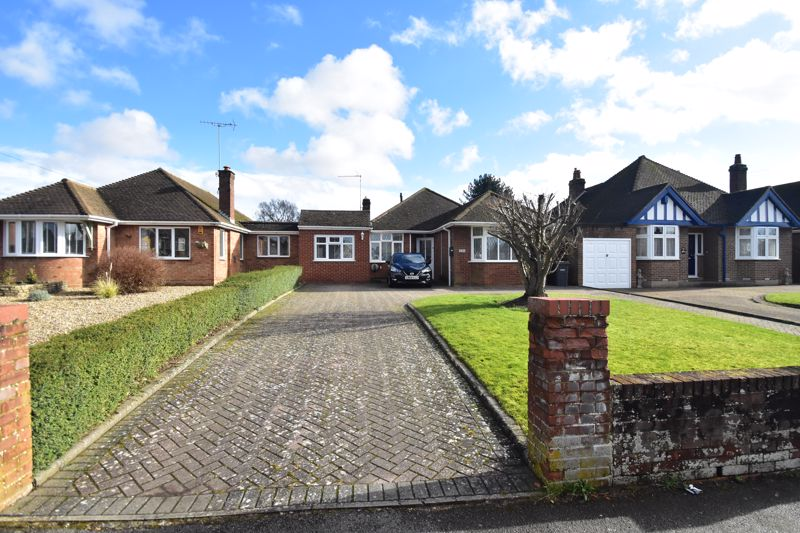 3 bedroom Bungalow to buy in Hitchin Road, Luton