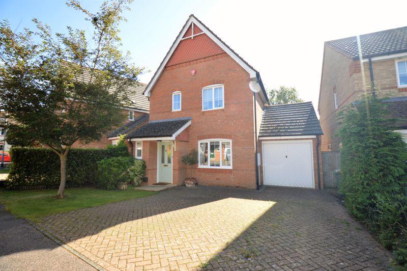 3 bedroom Detached  to buy in Winchfield, Luton