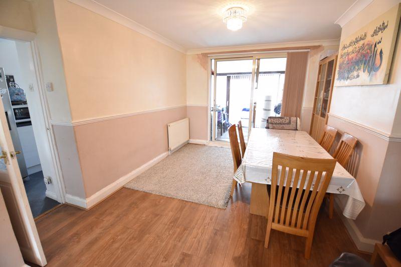 3 bedroom Semi-Detached  to buy in Rutland Crescent, Luton - Photo 13