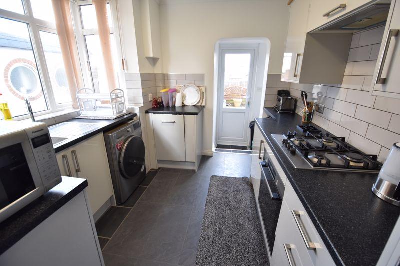 3 bedroom Semi-Detached  to buy in Rutland Crescent, Luton - Photo 14