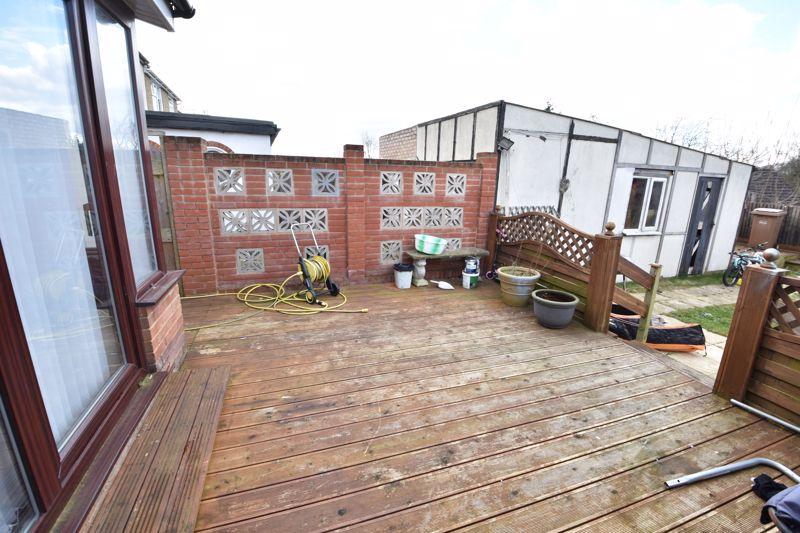 3 bedroom Semi-Detached  to buy in Rutland Crescent, Luton - Photo 1