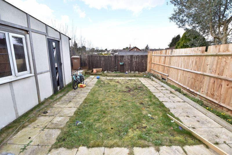 3 bedroom Semi-Detached  to buy in Rutland Crescent, Luton - Photo 2