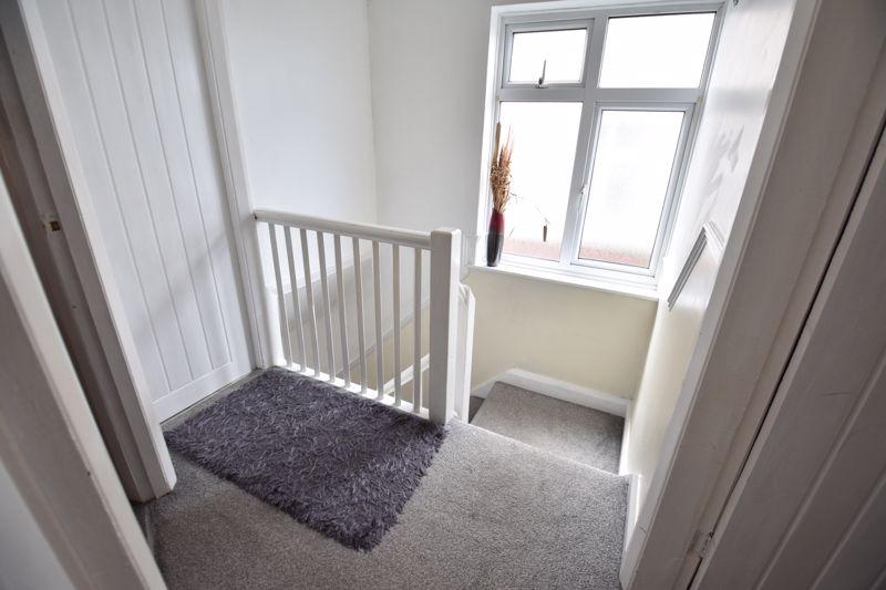3 bedroom Semi-Detached  to buy in Rutland Crescent, Luton - Photo 8