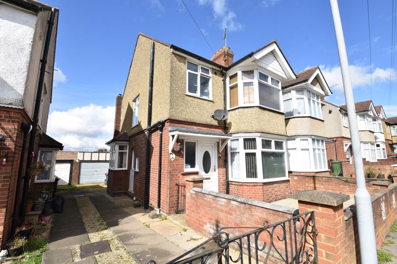 3 bedroom Semi-Detached  to buy in Rutland Crescent, Luton