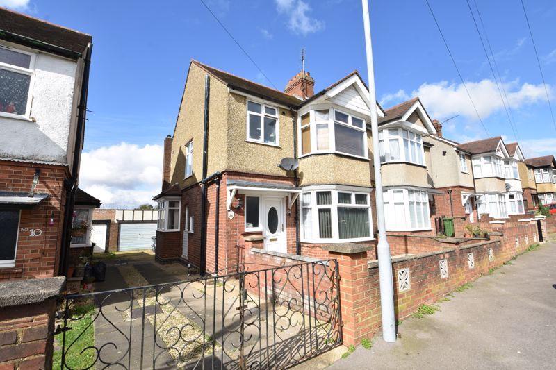 3 bedroom Semi-Detached  to buy in Rutland Crescent, Luton - Photo 10