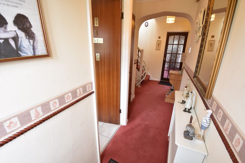 3 bedroom  to buy in Forrest Crescent, Luton - Photo 19