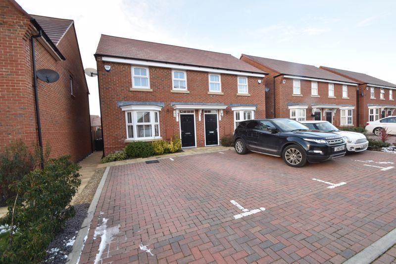 3 bedroom Semi-Detached  to buy in Preacher Close, Luton