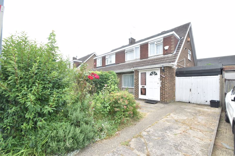 3 bedroom Semi-Detached  to buy in Butely Road, Luton